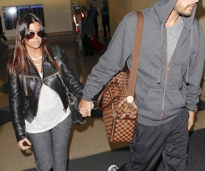 live, kardashian, and aeroport image