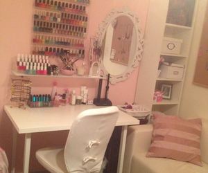 bedroom, girly, and mirror image