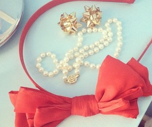 bow, pearls, and classy image