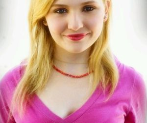 abigail breslin, K, and the call image