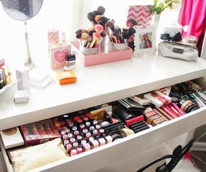 beauty, girly, and lipstick image
