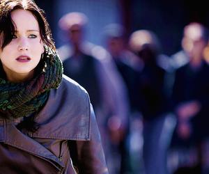 Jennifer Lawrence, em chamas, and hunger games image