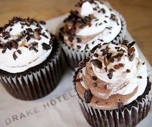 chocolate, sweet, and cupcakes image