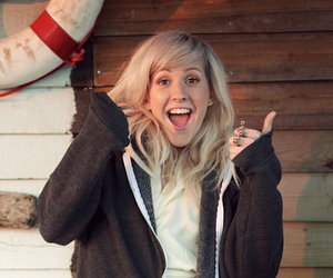Ellie Goulding and girl image