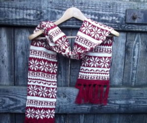 scarf, uk clothing, and woolly scarves image