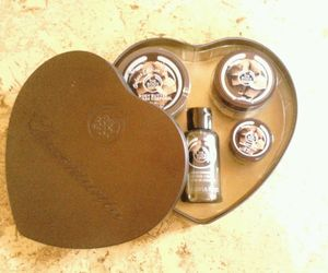 the body shop and chocomania image