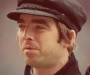 british, live forever, and noel gallagher image