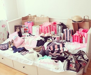 clothes, shopping, and pink image