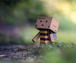 bee, happy, and cajita image