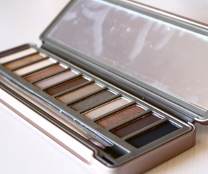 beauty, naked palette, and eyeshadow image