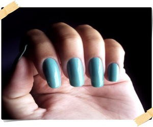 mulher, nails, and cores image