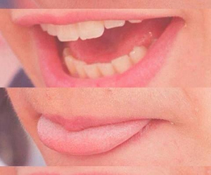 one direction, lips, and Harry Styles image