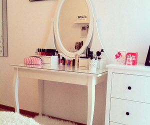 bedroom, fashion, and mirror image