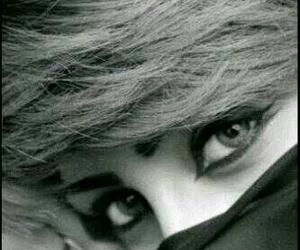 arabic, eyeliner, and girl image