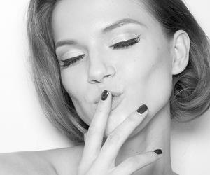 model and nails image
