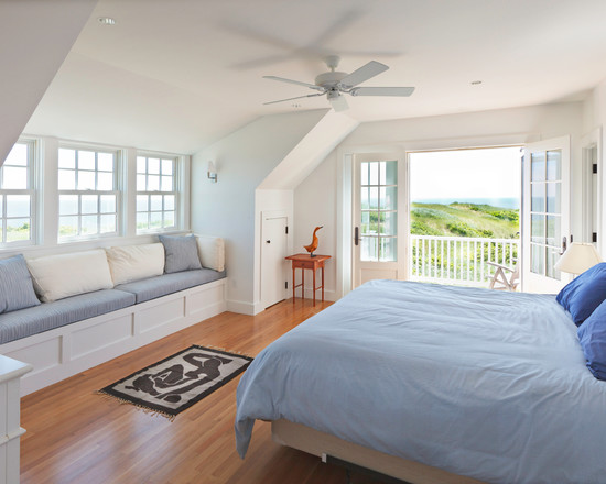 Beautiful Bedroom Design With Bay Window And Balcony At Cape Cod Cottage