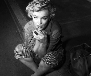 beautiful, black and white, and lips image