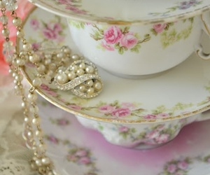 vintage, pearls, and pink image