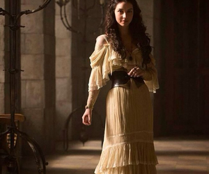 reign, dress, and mary stuart image