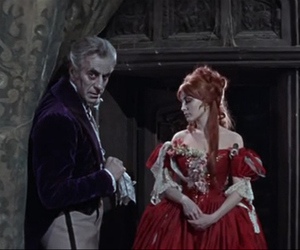sharon tate and vampire image