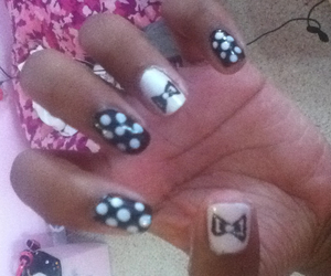 dots, totallycoolnails, and girly image