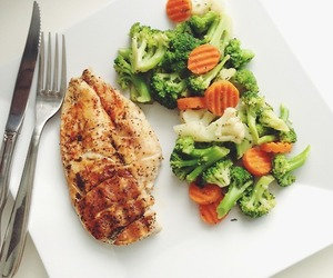 broccoli, carrots, and Chicken image