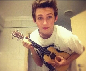 boy, guitar, and youtube image
