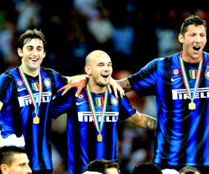 inter milan, wesley sneijder, and diego milito image