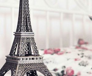 paris and eiffel image