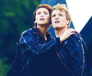 the hunger games, hunger games, and katniss image