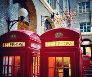 london and phone booth image