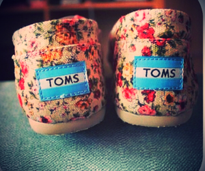 Tom, shoes, and flowers image