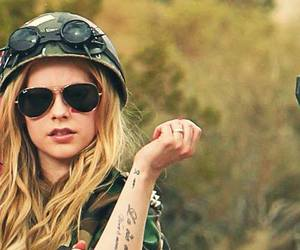 Avril Lavigne, rock n' roll, and lbs image