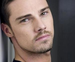 Jay Ryan, beauty and the beast, and sexy image