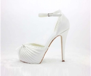 wedding shoes, white wedding shoes, and comfortable wedding shoes image