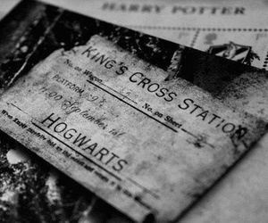 harry potter, hogwarts, and black and white image