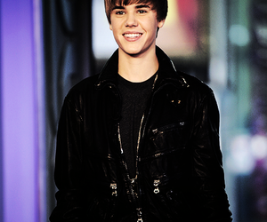 amazing, smile, and bieber image