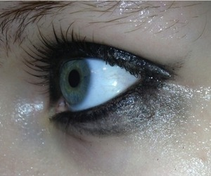 beauty, cry, and green eyes image
