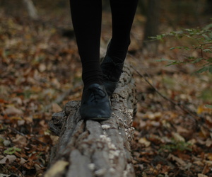 autumn, black shoes, and jess image