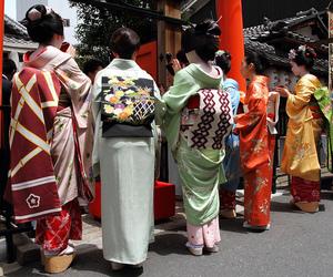 canon, kanzashi, and kimono image