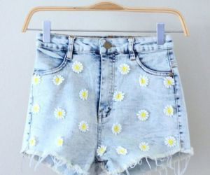 clothes and daisy image
