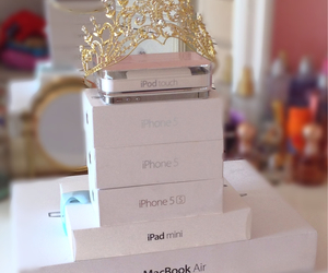 apple, ipod touch, and macbook air image