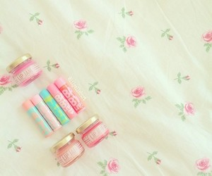 girly, pink, and floral image