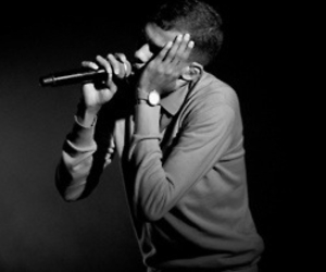 singer and stromae image