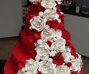 red and wedding cake image