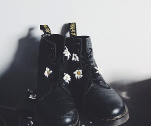 grunge, flowers, and black image