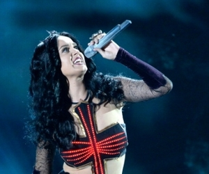 katy perry, dark horse, and grammys image