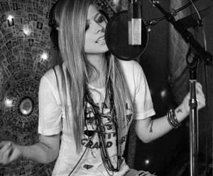 Avril Lavigne and perfect image
