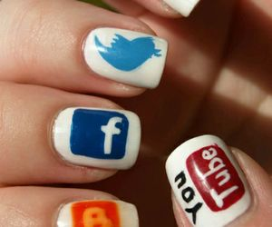 blogger, twitter, and redes sociales image