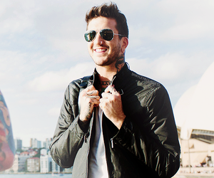 austin carlile, of mice & men, and om&m image